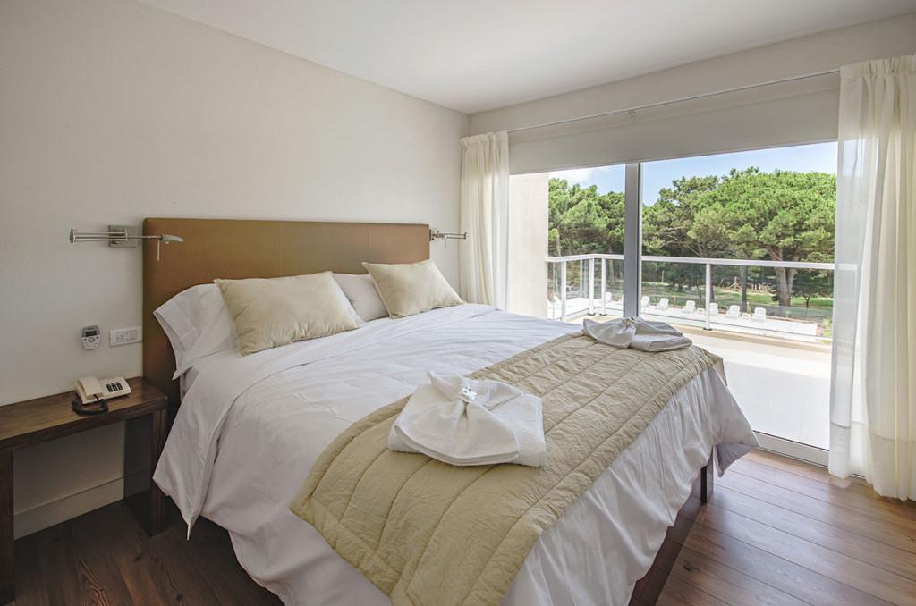 Dormitorio-principal-aparts-tres-ambientes